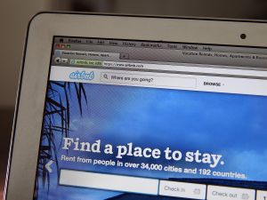 Airbnb says it wants to cooperate with New York State.