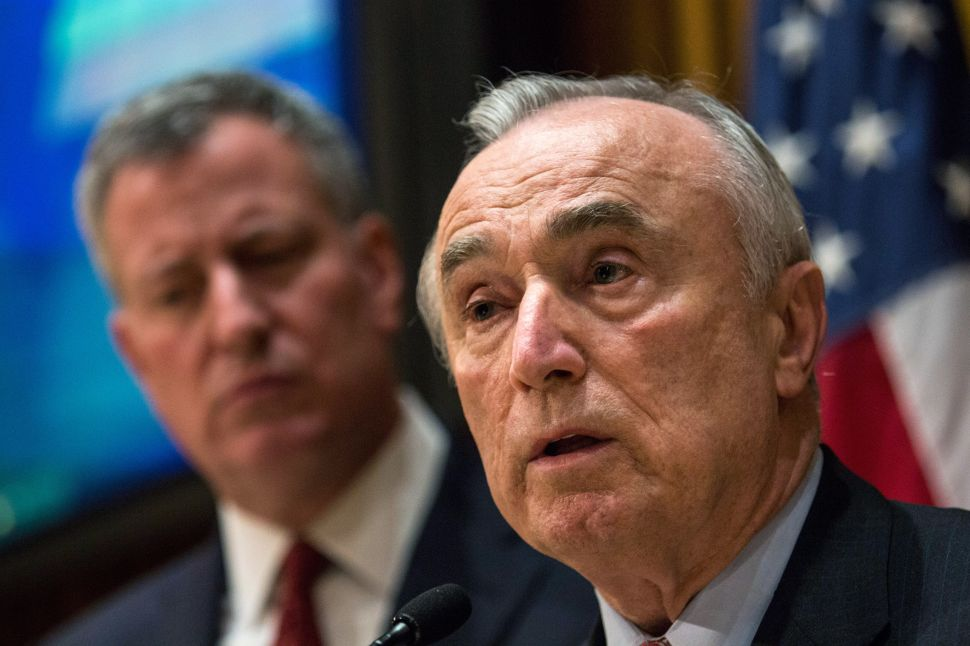 De Blasio and Bratton Debut 'Neighborhood Policing' Plan With Beefed-Up NYPD