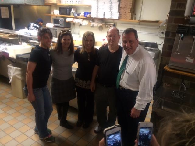 The Pizza Connection: Christie faces N.J. versus N.H. pizza question
