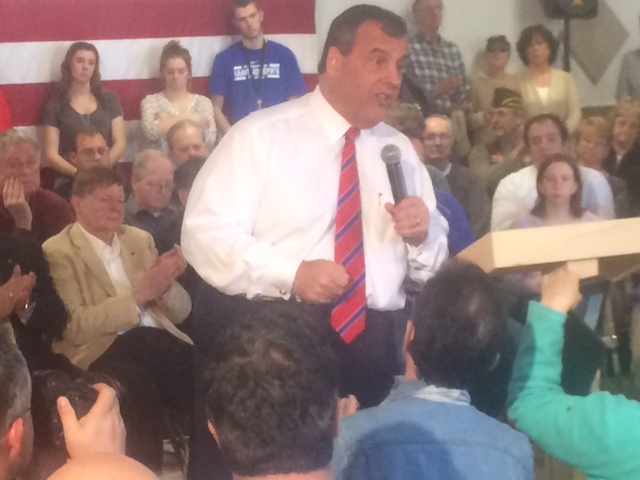 At N.H. town hall meeting, Christie addresses public, range of issues
