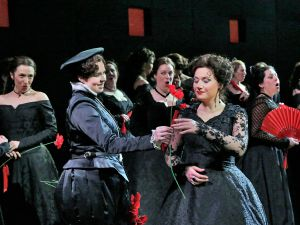 A scene from Verdi's Don Carlo. (Photo: Ken Howard/Metropolitan Opera; Micayla Lubka)