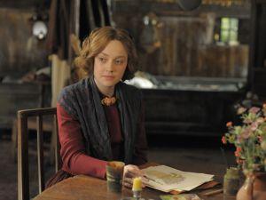 Dakota Fanning in Effie Gray.