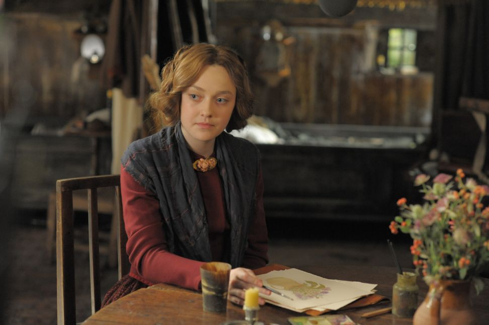 In 'Effie Gray,' a Sex-Starved Dakota Fanning Takes Center Stage
