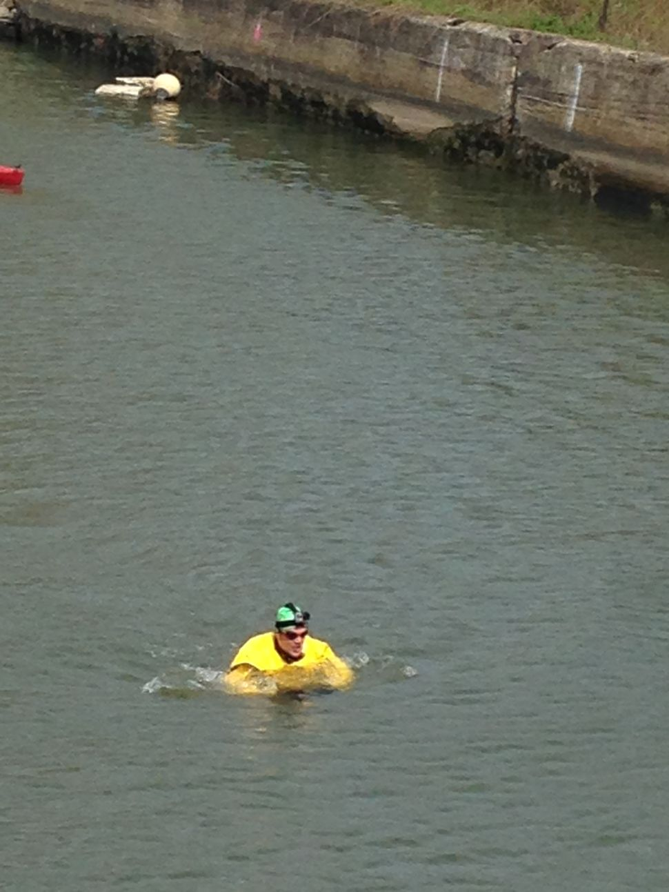 Madcap Swimmer Takes on Gowanus Canal, Again