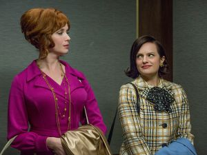 Joan Harris (Christina Hendricks) and Peggy Olson (Elisabeth Moss) (Photo by Michael Yarish/AMC)
