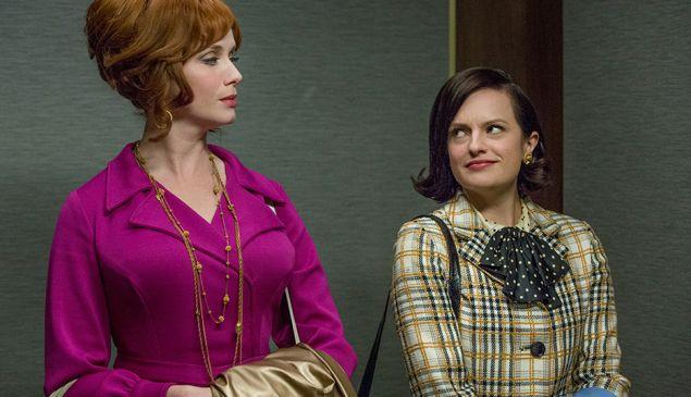 Joan Harris (Christina Hendricks) and Peggy Olson (Elisabeth Moss) (Photo by Michael Yarish/AMC)