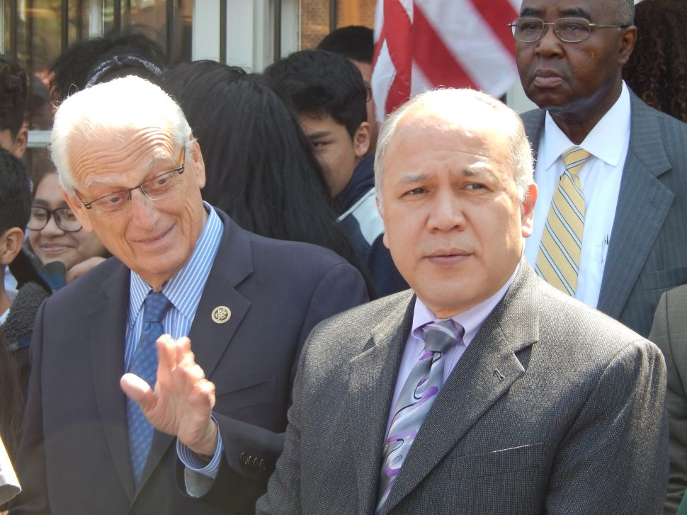 Feds' prosecution of Menendez a witch hunt, says Paterson Mayor Torres