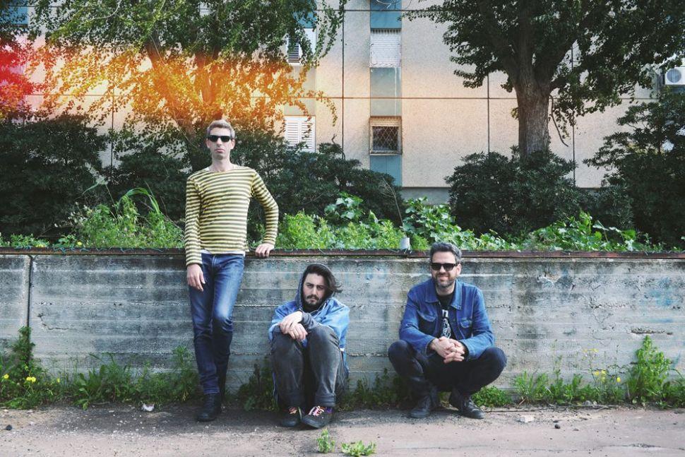 Bored and Beautiful in Tel Aviv: Vaadat Charigim's Blurry, Existential Rock