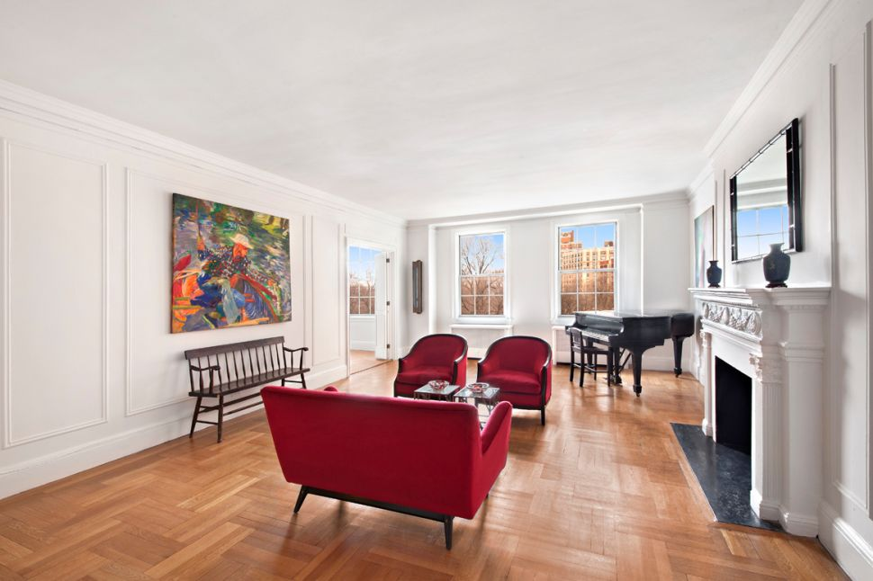 Trapezoid Rule: a Fetchingly Configured Co-op at 175 Riverside Asks $4.69M