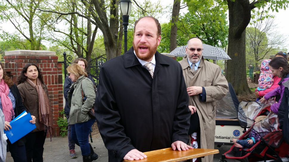 Orthodox Jews and Secular Parents Unite to Demand Half-Day Pre-K Slots