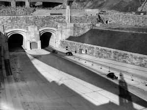 The New Jersey entrance to the Lincoln Tunnel under the Hudson River, which connects 39th street Manhattan, to Weehawken, New Jersey. (Photo: Fox Photos/Getty Images)