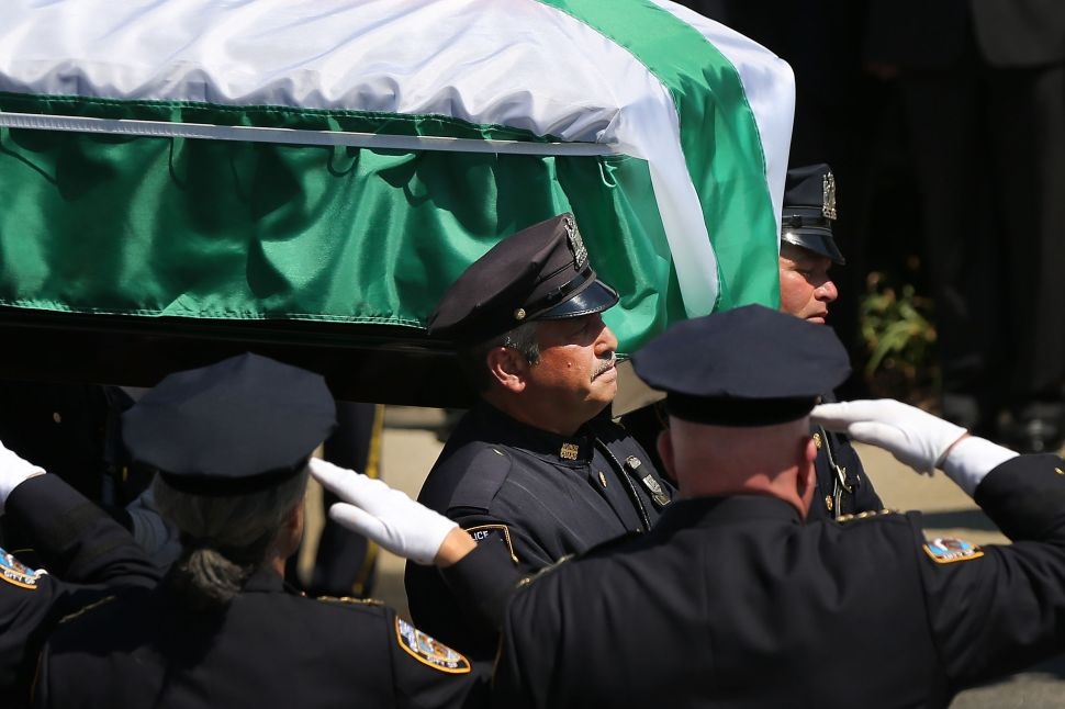 At Funeral, Bratton Says Good Work of Police Gets Lost in 'Loud Criticism'