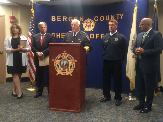 Bergen sheriff, county executive unveil pilot police body camera program