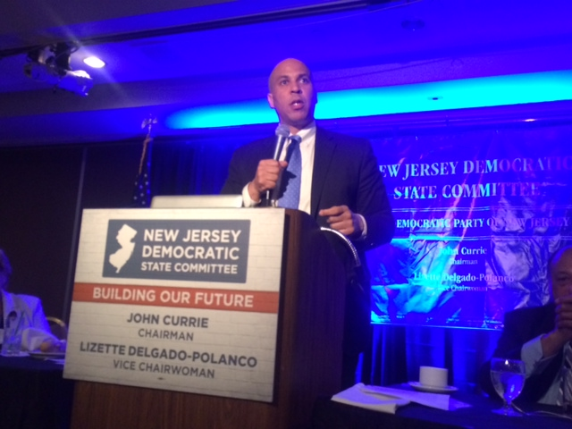 Booker rallies N.J. Dems at annual conference