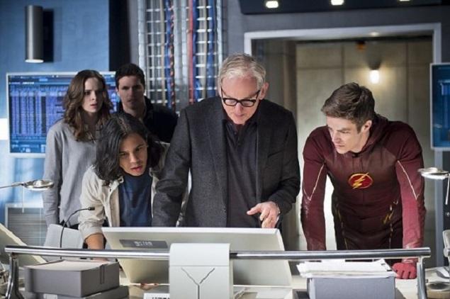 Easter Egg Hunt: Scanning 'The Flash' Season Finale