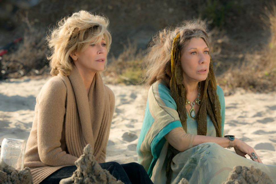 Sometimes Flat, 'Grace and Frankie' Still Refreshes Summer Sitcom Landscape