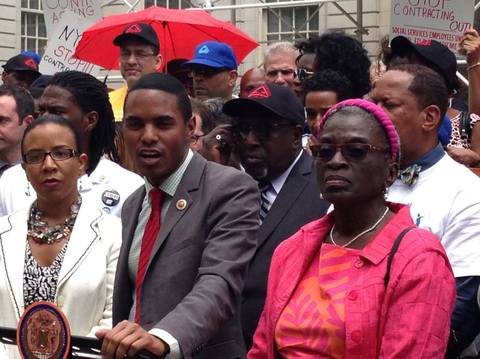 Council Members and Union Leaders Rail Against de Blasio Plan for NYCHA Centers