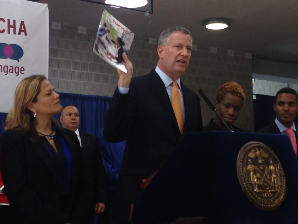 De Blasio Defends Plan to Develop NYCHA Open Space Into Housing