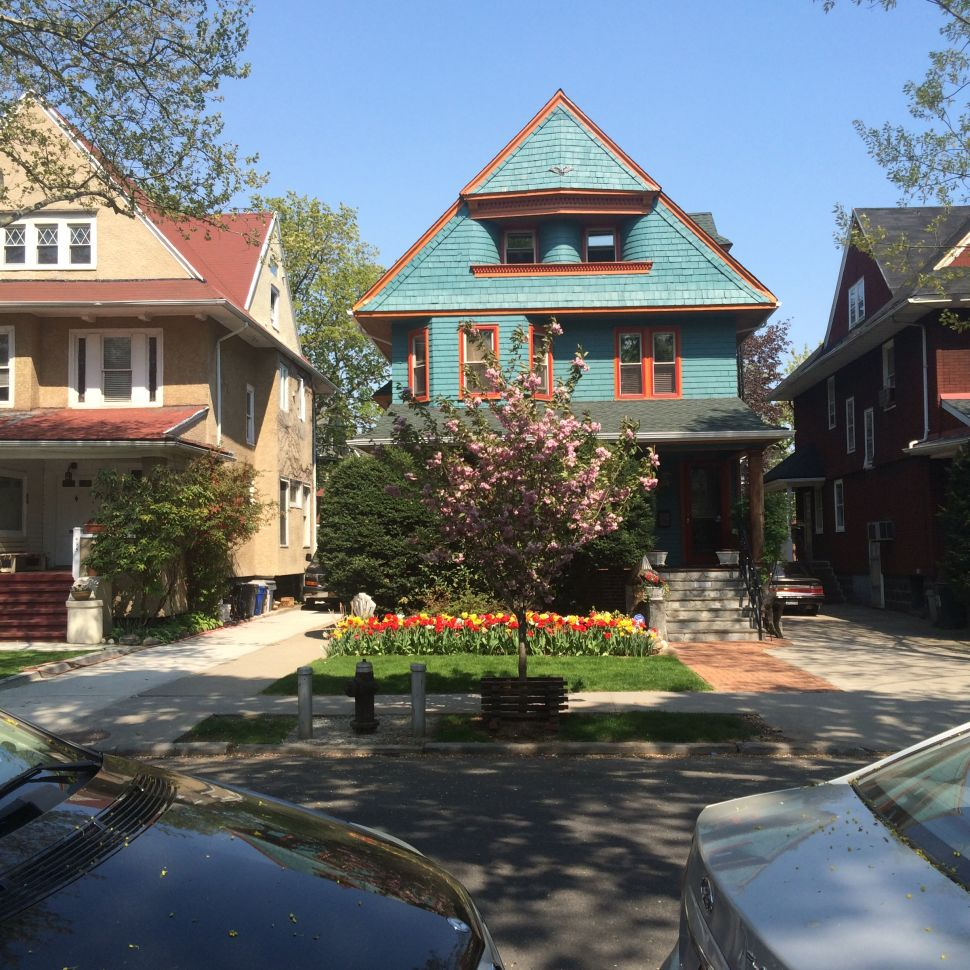 Seeking the Brooklyn They Once Knew, Brownstoners Look Across the Park to Ditmas