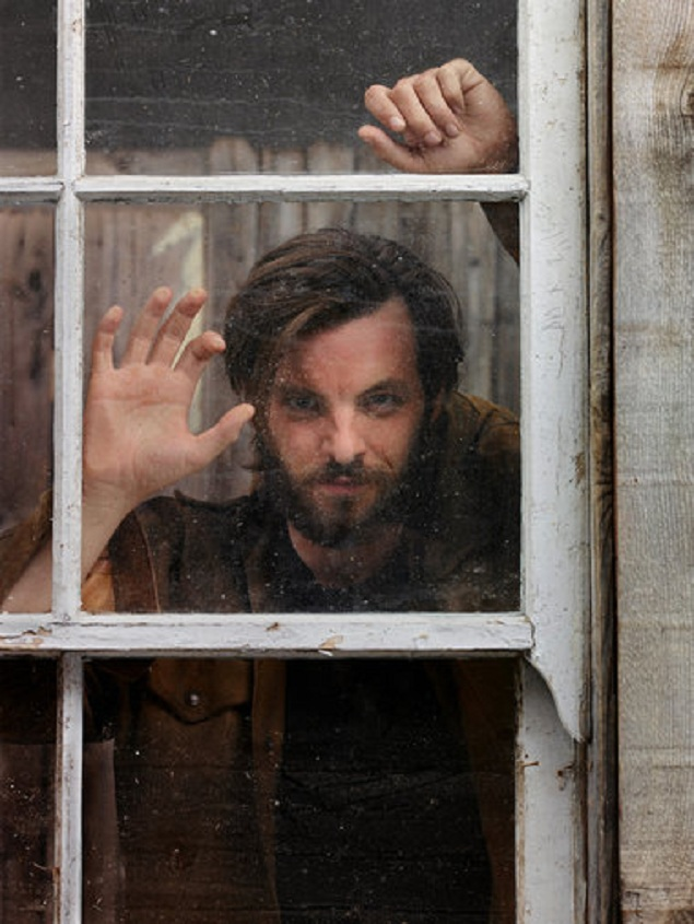 'Game of Thrones' Star on Transforming Into Charles Manson for 'Aquarius'