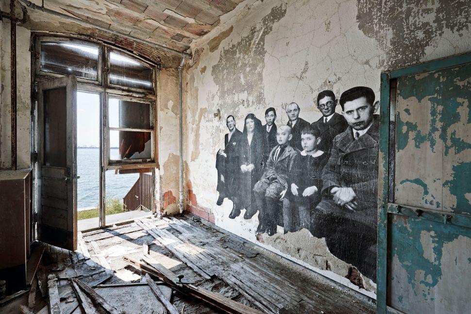 Art Spiegelman Teams With French Artist JR On An Ellis Island Art Book