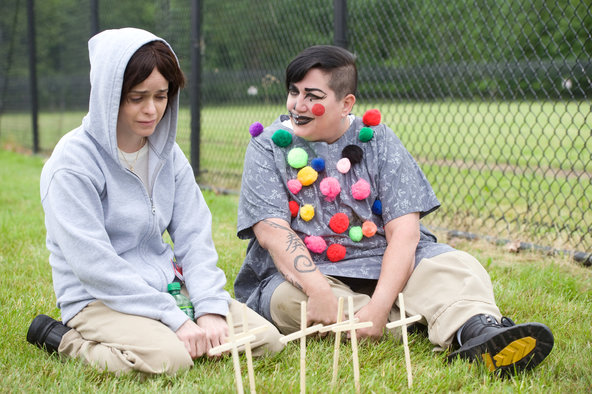 'Orange is the New Black' Season 3 Premiere Review: Send in the Clowns