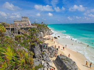 Beach at Mayan ruins of Tulum (1200-1524) and The Castle( el Castillo). Tulum. Quintana Roo state. Mayan Riviera. Yucatan Peninsula. Mexico (Photo by: myLoupe/Universal Images Group via Getty Images)