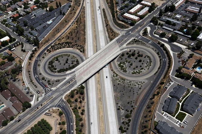 'True Detective' Season 2 Premiere: Highways Are Flat Circles, Too