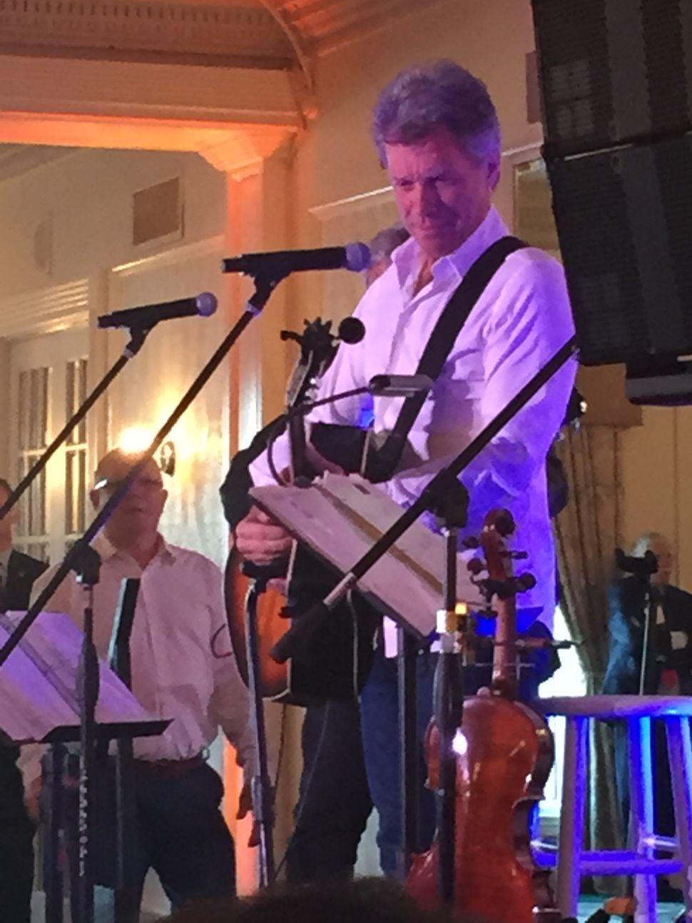 Bon Jovi, Dems, fundraise for Hillary Clinton
