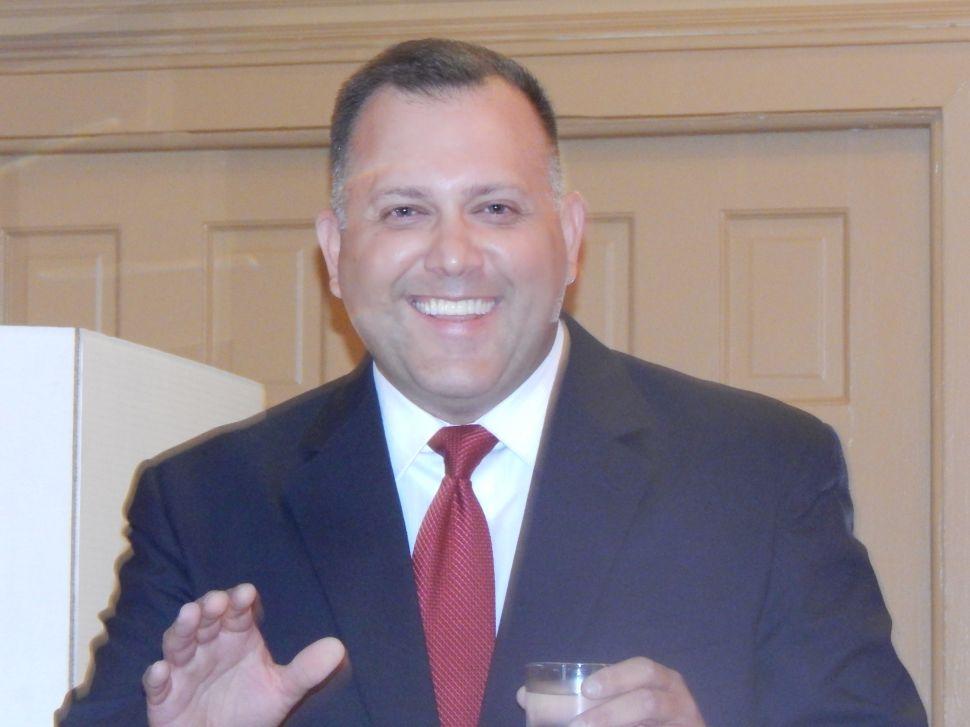 Hahn Wins Edison Democratic Chairmanship Again