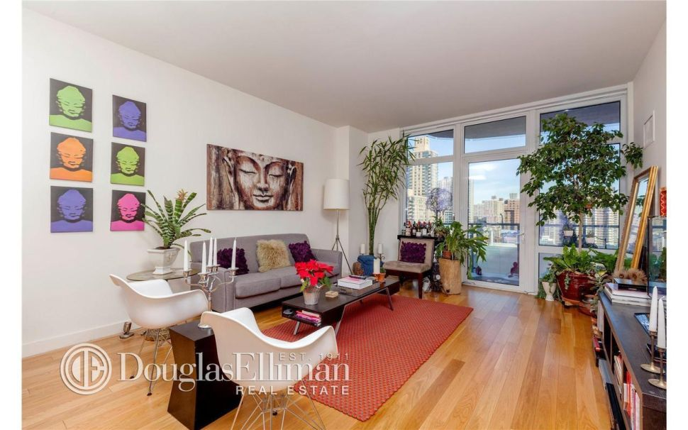 Glass Becomes Her: Isabella Rossellini Picks Up Sleek Lincoln Square Condo for $1.27M