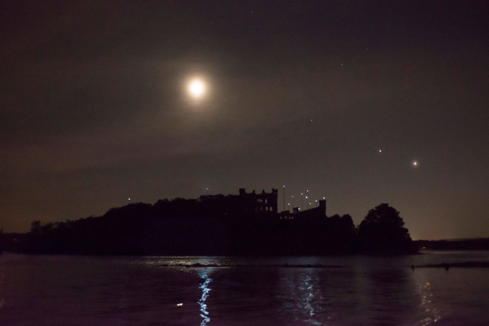 Those Mystery Lights Above a Hudson River Castle Are… Art