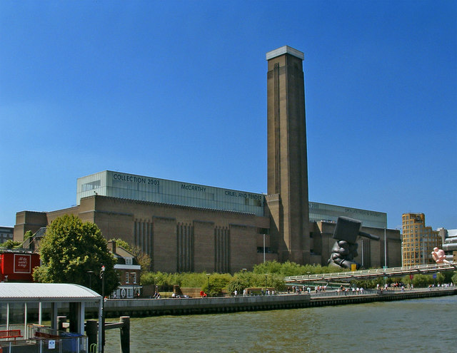 Activists Occupy Tate Modern Museum to Protest 'Oil Money' Ties to British Petroleum