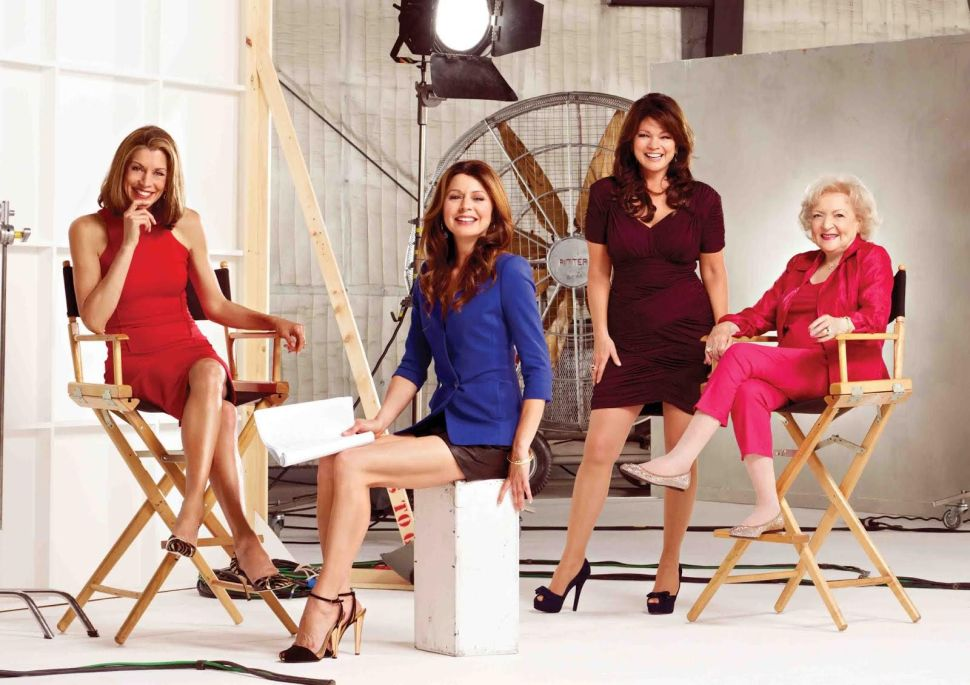 'Hot in Cleveland' Creator Talks Crafting a Cool Series Finale