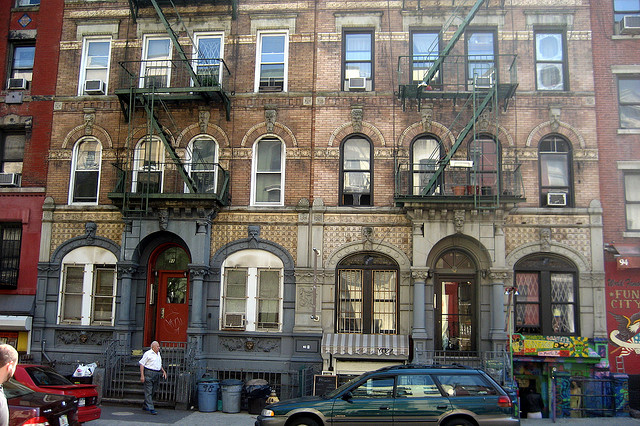 On the Market: Manhattan Apartment Prices Reach New Highs; EV Hate for Hipster Vegans