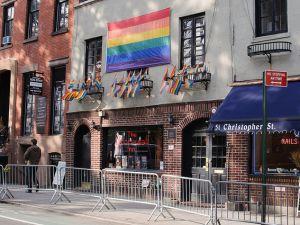 Stonewall Inn (InSapphoWeTrust / Flickr)