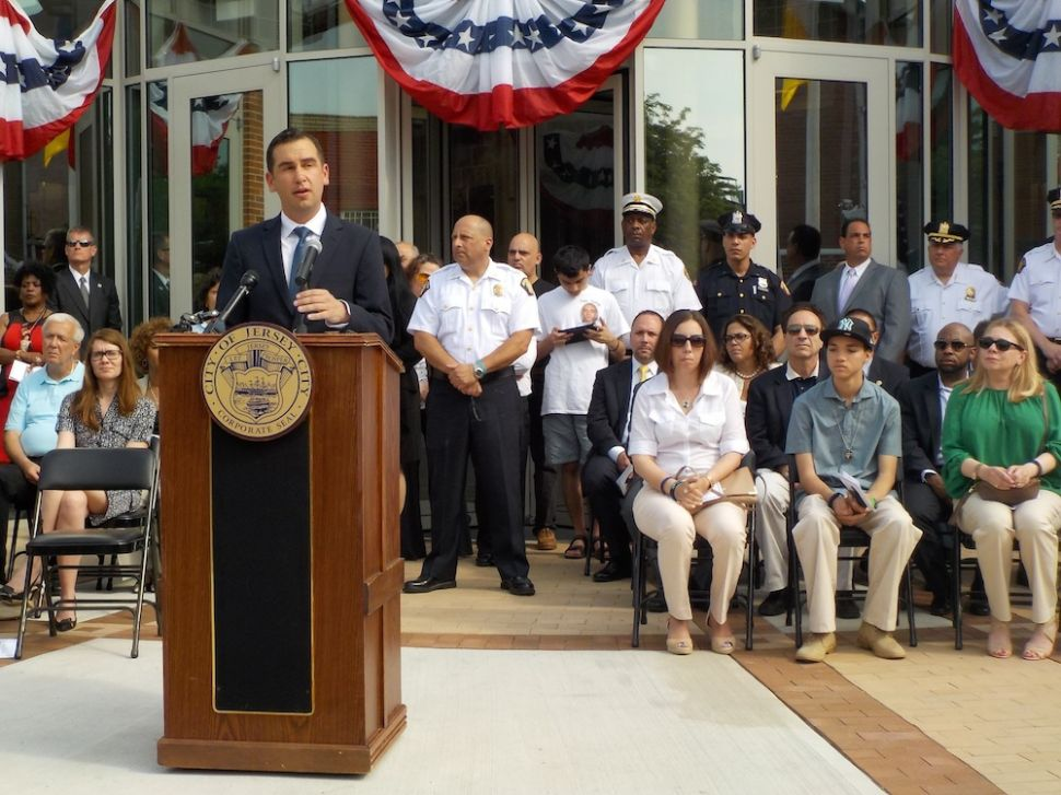 Fulop Unveils New Jersey City Police Station