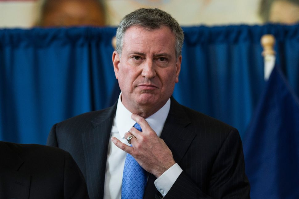 De Blasio: Don't Crank Up Your Air Conditioner Tonight