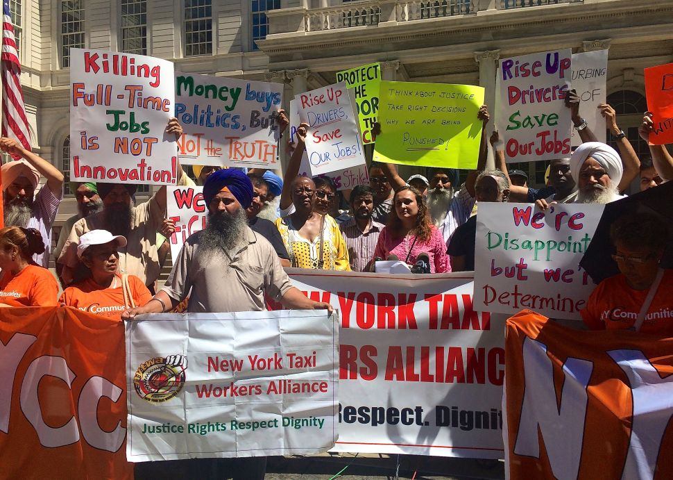Cab Drivers, Progressives Blast Mayor After Uber Cap Is Dropped