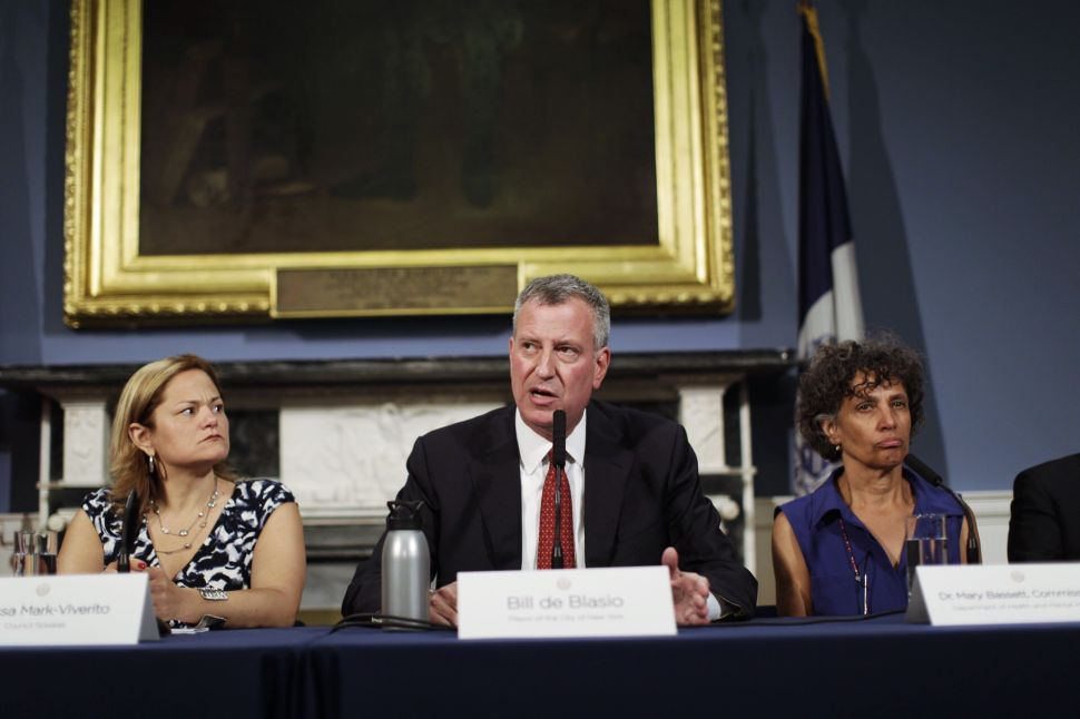 Cuomo and de Blasio Offer Differing Answers to Legionnaires' Disease Crisis