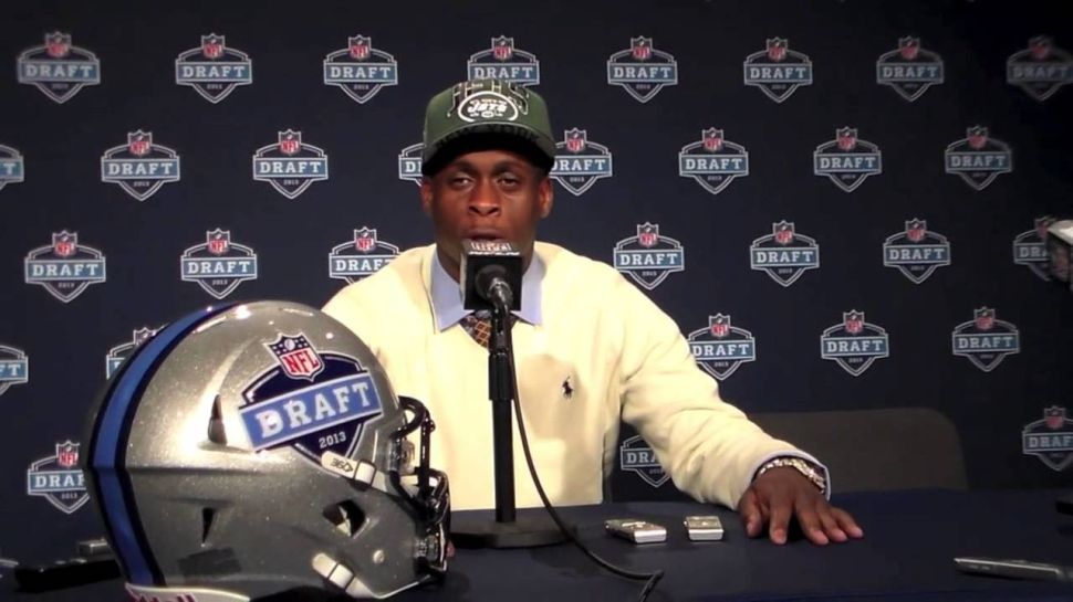 Geno Smith Becomes Twitter Punchline After Getting Punched