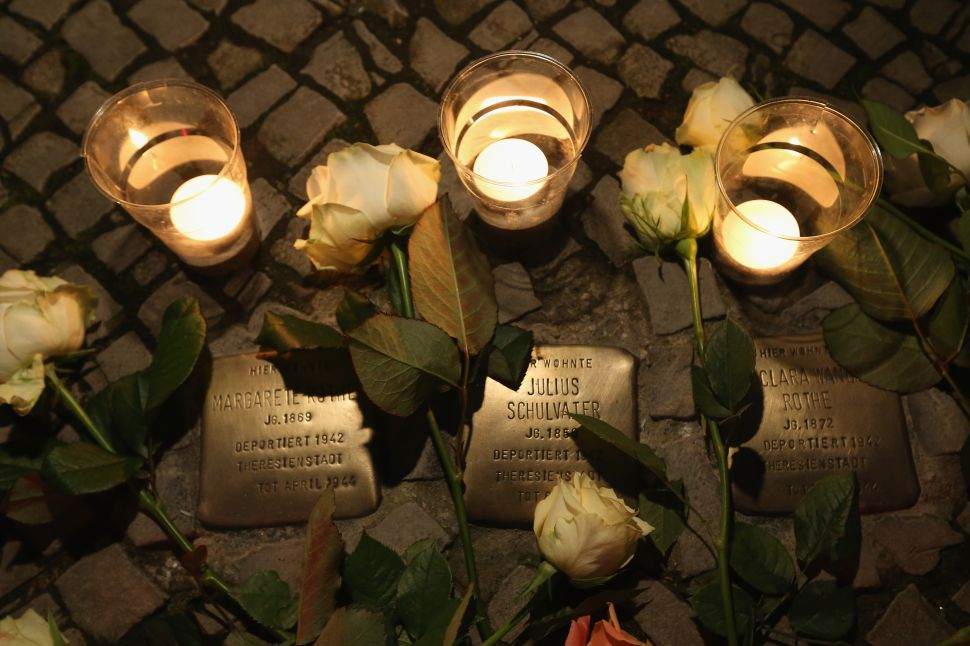 Munich Compromises on Holocaust Memorial Plans