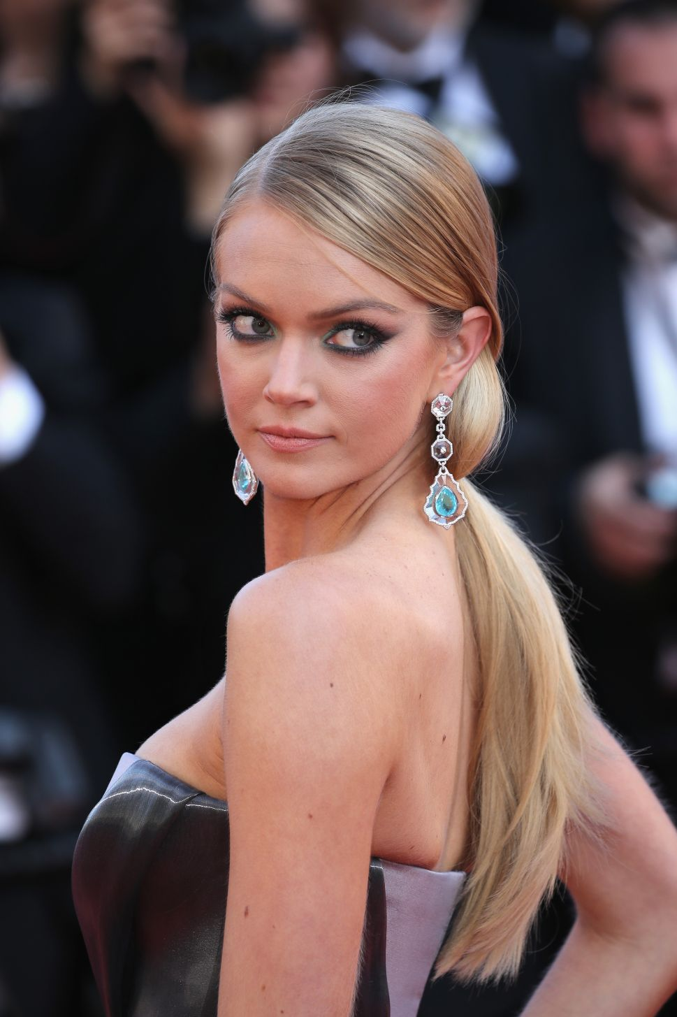 Lindsay Ellingson's Makeup Debut, Thom Browne's Suit Theory and More News to Know