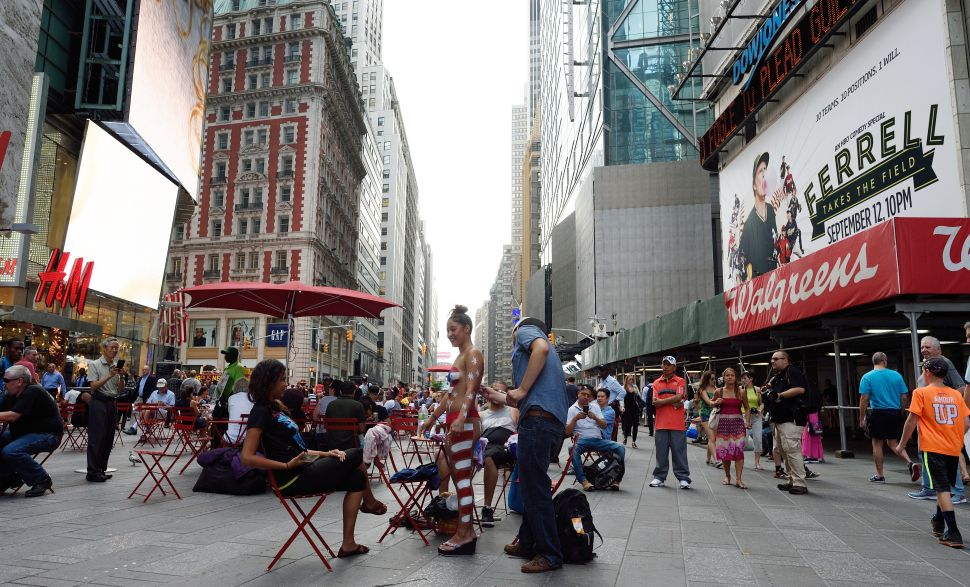 De Blasio Open to Ending Times Square Pedestrian Plaza to Fight Off Naked Women