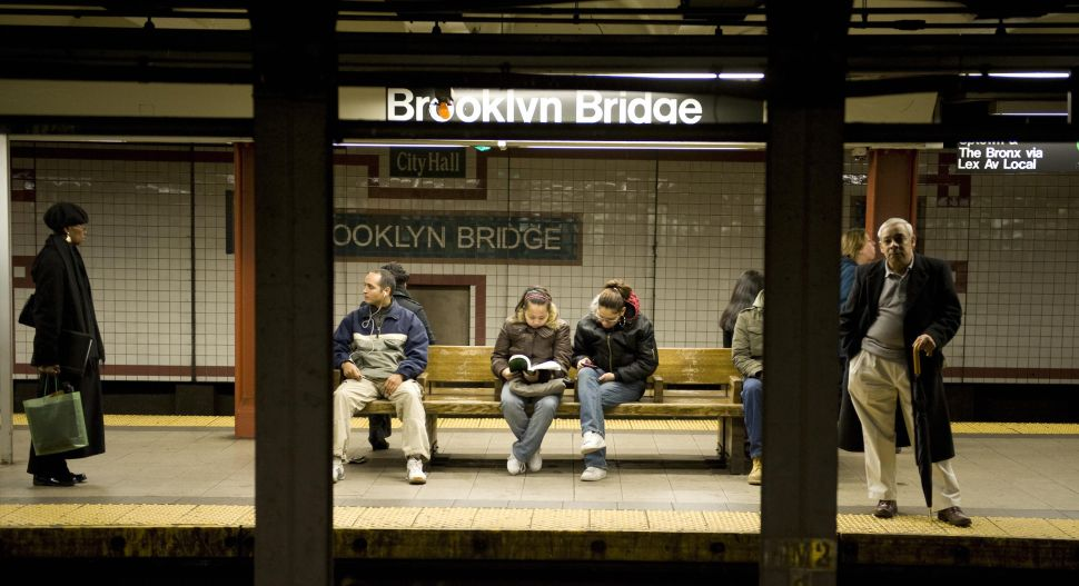 Afternoon Bulletin: Subway Stations Lose Trash Cans, Busta Rhymes Arrested in Chelsea