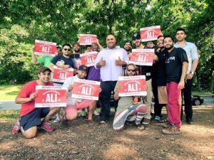 Attorney Ali Najmi and his supporters (Photo: Facebook).
