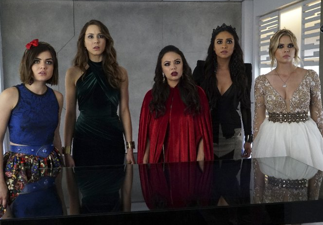 'A' Is for AGHH!!! 'Pretty Little Liars' Fans React to Season Finale's Shocking Twist