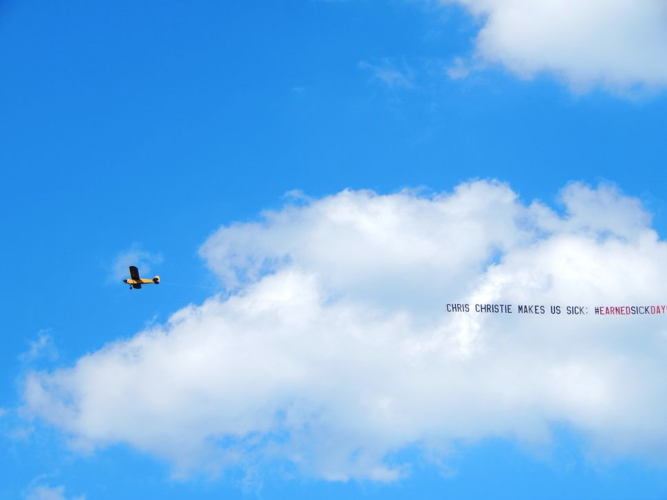 Labor Plane Circles Christie Fundraiser: 'Chris Christie Makes us Sick'