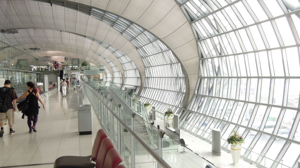 What Are the Best Airport Hacks?