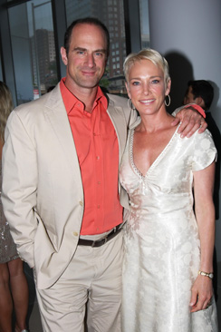 The Buyer of Christopher Meloni's Condo Will Not Be Getting a Porsche